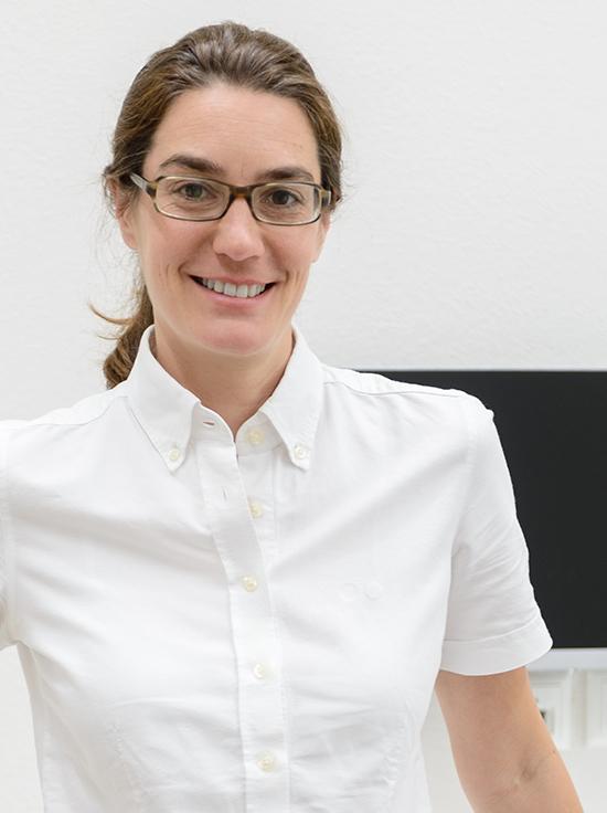 Dr. Wiebke Houcken - Spezialistin der Deutschen Gesellschaft für Parodontologie