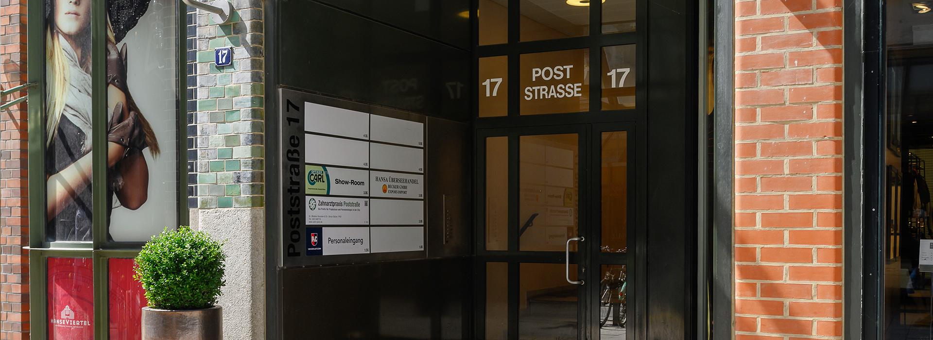 Zahnarztpraxis Poststraße Hamburg - Eingangsbereich Außen